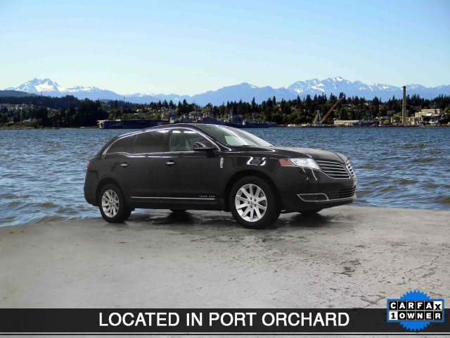 Pre-Owned 2017 Lincoln MKT Livery